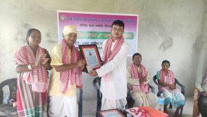 ताजपुरिया कला, संस्कृति विकास समितिको कार्यक्रममा राष्ट्रिय गायक सीताराम ताजपुरिया सम्मानित
